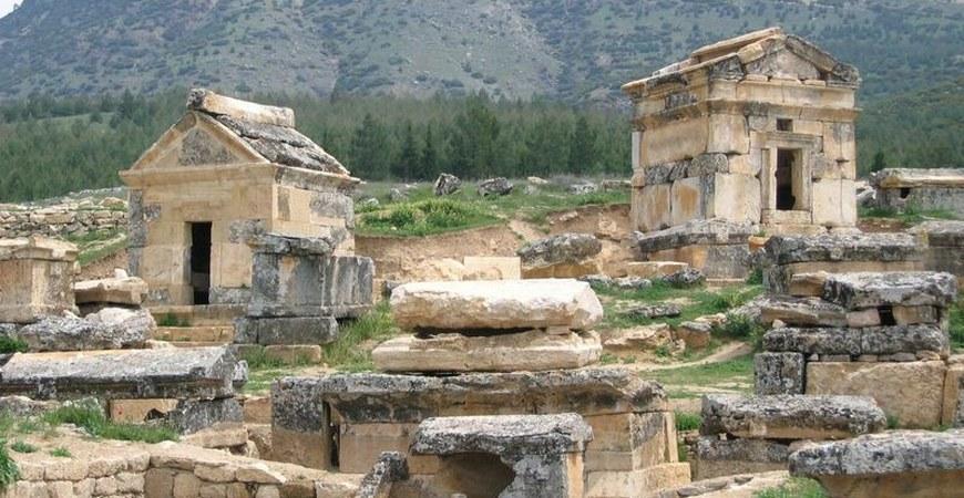 Travel to Hierapolis Pamukkale