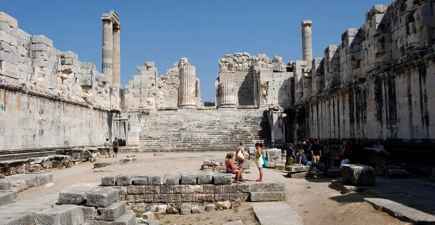 Didyma - Miletos & Priene Tours